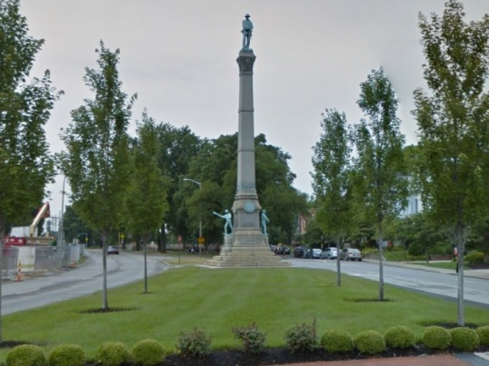 WCPO_Confederate_monument_removed_University_of_Louisville_1461969367070_37256614_ver1.0_900_675