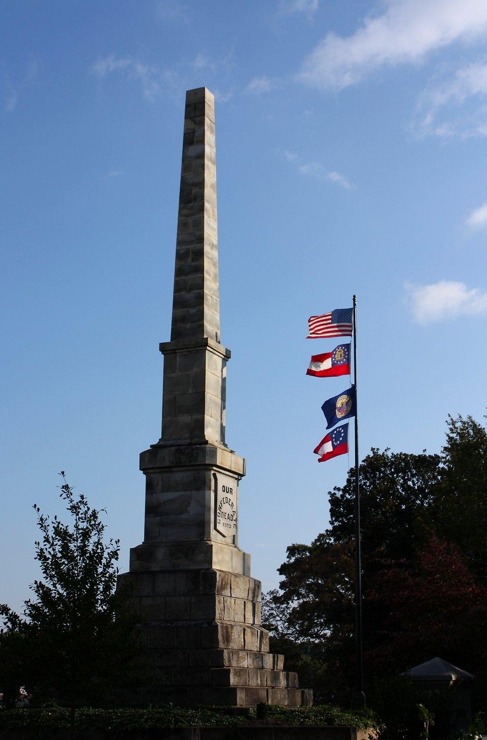 12301-the-confederate-obelisk-at-historic-oakland-cemetery-in-atlanta-georgia-pv